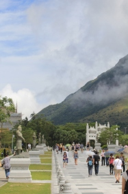 Off the bus and heading towards the Big Buddha