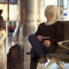 ostrich-pillow-portable-power-nap-micro-environment-7
