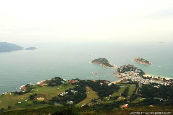 Hiking in Hong Kong: Dragon's Back