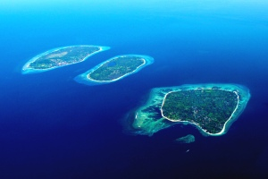 From left to right: Gili T, Gili Meno, Gili Air