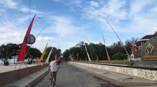 The Many Sides Of Gili Trawangan: Bicycling Around